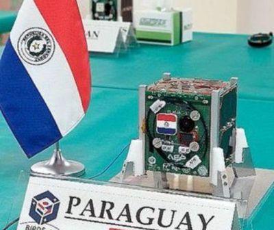 Presentan primer satélite paraguayo en Japón
