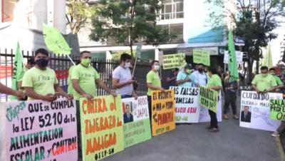 Docentes y estudiantes se manifestaron en contra del recorte presupuestario para Educación