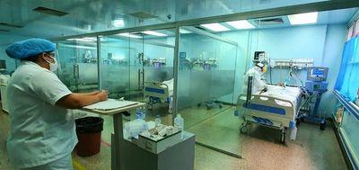 """""""Nunca se nos pasó por la mente dejar de pelear por los compatriotas"""", dice médica del Hospital Integrado"""