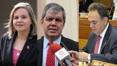 Enrique Riera recula ante amenaza de querella de Lilian Samaniego