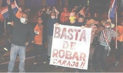 """""""Protestamos contra delincuentes y terminamos imputados como criminales"""", protesta referente gastronómico"""
