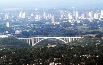 Médicos preocupados por reapertura de fronteras con Brasil