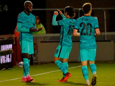 City y Liverpool avanzan en la Carabao Cup