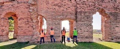 Iniciaron los trabajos de mantenimiento y conservación de las Ruinas en Humaitá