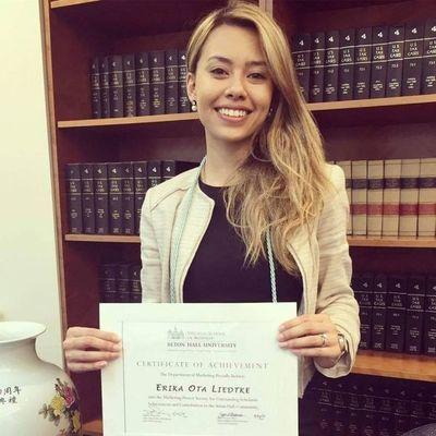 Paraguaya por el mundo: Joven de 24 años se graduó con honores en EEUU y trabaja en banco federal en New York