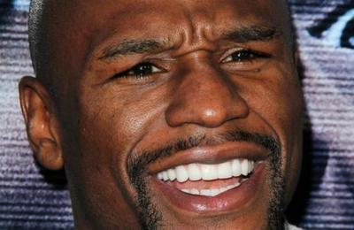 El youtuber que desafió a Floyd Mayweather para pelear arriba del ring