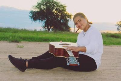Joven cantante Nivacle presenta su canción enteramente en su lengua materna