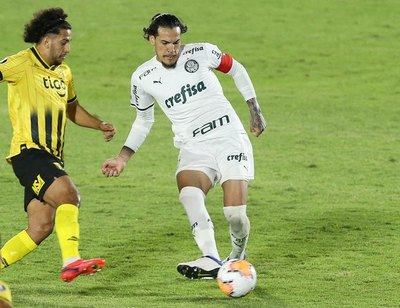 Crónica / Gómez enloquece a la torcida del Palmeiras