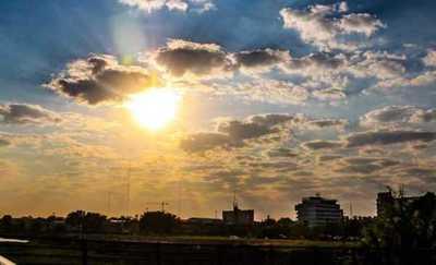 Anuncian viernes muy caluroso con el cielo parcialmente nublado