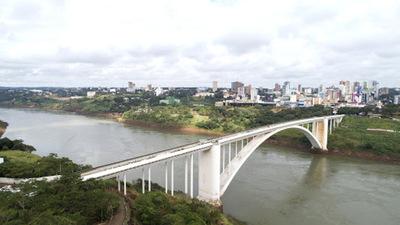 Brasil prorroga hasta el 26 de octubre el cierre del Puente de la Amistad