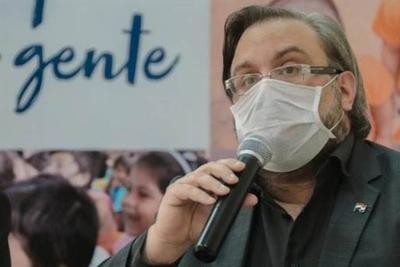 """HOY / Es """"lógico y coherente"""" que Brasil siga con fronteras cerradas, resalta Fusillo"""