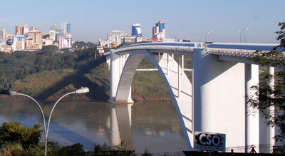 Disposición de Brasil permite el tráfico de residentes de ciudades fronterizas explica titular de Migraciones
