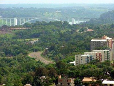 Brasil mantiene libre circulación de residentes en ciudades gemelas