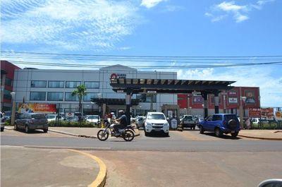 Residentes en ciudades 'gemelas' no mueven economía de Salto: 'Si los que vienen de lejos no pueden ingresar, se seguirá sin clientela'