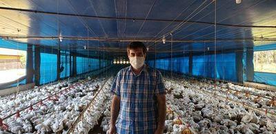 En Día del Avicultor, gremio destaca rol de la  industria procesadora de granos