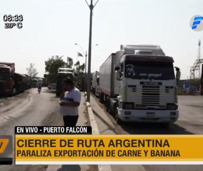 Dos kilómetros de fila en Falcón por cierre de ruta en Argentina