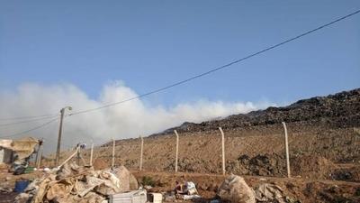 HOY / Intensa humareda tras incendio en Vertedero Cateura