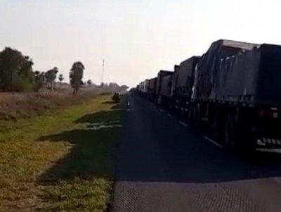 Más de 300 camiones paraguayos varados en Argentina: las pérdidas son millonarias