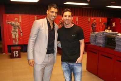 Messi dispara contra la dirigencia al despedir a Suárez