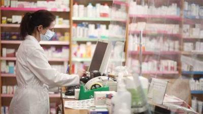 Detrás de los insumos y al frente de la pandemia, hoy se recuerda el Día del Farmacéutico