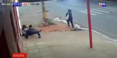 Captan violento asalto a joven