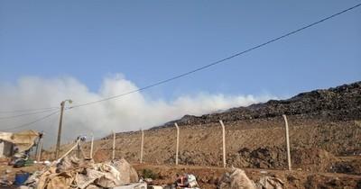 La Nación / Controlan incendio en Cateura luego de casi 12 horas