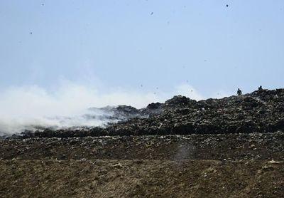 Cateura: incendio está controlado, pero siguen los trabajos