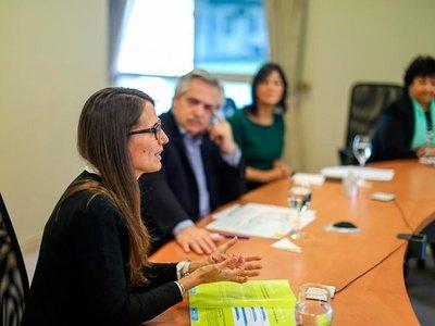 Argentina presenta programa de asistencia económica para mujeres maltratadas