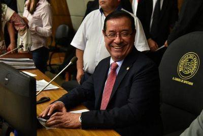 Tribunal revoca prisión preventiva del diputado Miguel Cuevas
