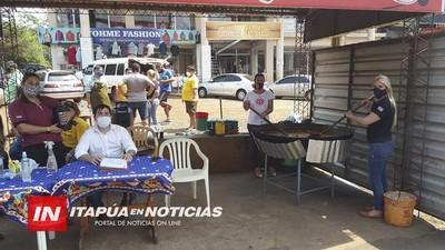 COCINAN PARA 300 PERSONAS EN LA CABECERA DEL PUENTE SAN ROQUE