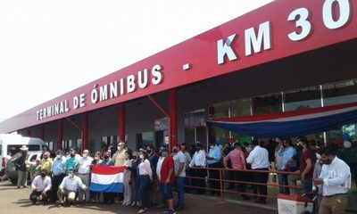 Inauguran terminal de ómnibus en Km 30
