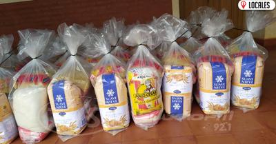 Prosigue entrega de víveres a padres de escolares en San Juan del Paraná