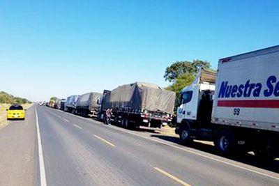 Desbloquean rutas en Clorinda y camiones con mercaderías vuelven a circular