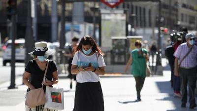 Ministerio de Sanidad recomienda confinar toda la región de Madrid ante rebrote de COVID-19
