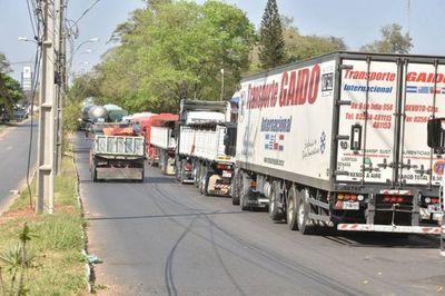 Levantan corte de ruta en Clorinda y liberan paso a camioneros paraguayos