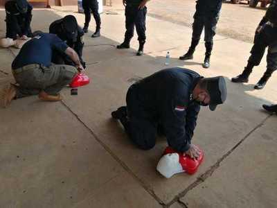 Agentes de la Comisaría Primera fueron capacitados para primeros auxilios