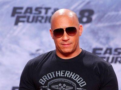 Vin Diesel se anima con la música y presenta el single Feel Like I Do