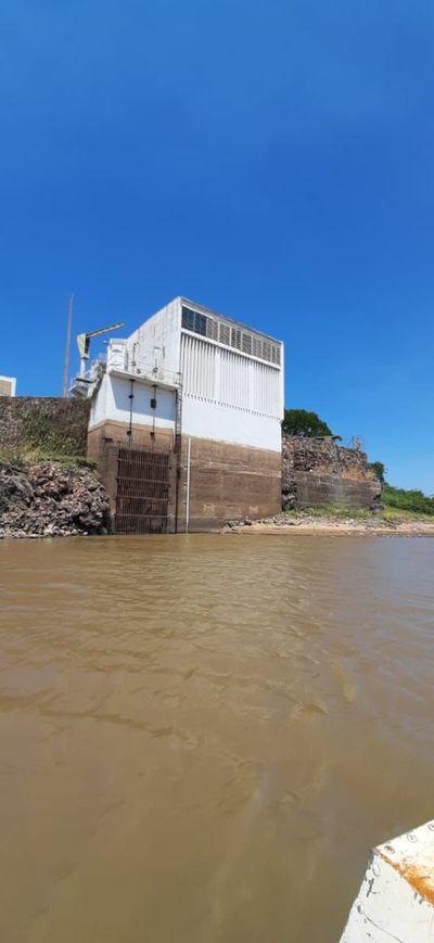 Bajante del río podría afectar provisión de agua y recomienda hasta limitar las duchas diarias
