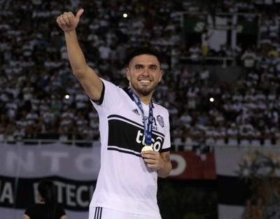 Olimpia hace oficial la salida de Jorge Ortega