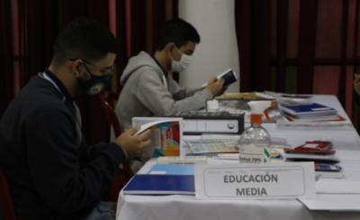HOY / Ministerio de Educación prevé vuelta segura a clases en el 2021