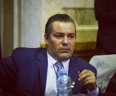 Tras escándalo sexual, diputado argentino renuncia a su cargo