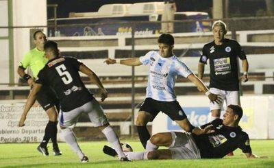 Guaireña y 12 de Octubre empatan en un intenso juego con muchos goles