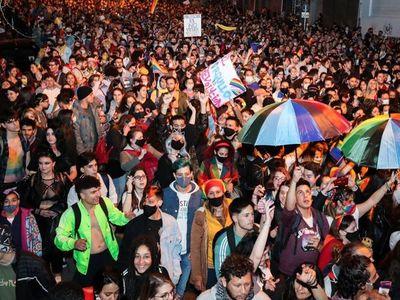 Miles marchan por la diversidad sexual en Uruguay a pesar de la pandemia