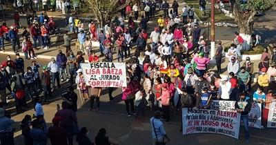 La Nación / En Repatriación exigen destitución de concejal