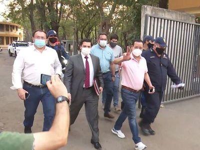 """Cuevas dice que sus denunciantes son """"alquilados"""" y hace guiño a Cartes"""