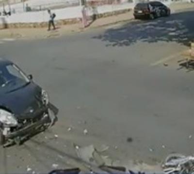 Triple choque se cobra la vida de un motociclista