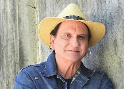 A la edad de 72 años, falleció el cantante Rolando Percy