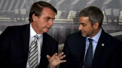 Pedirán a Abdo réplica de artículo del decreto de Bolsonaro sobre fronteras