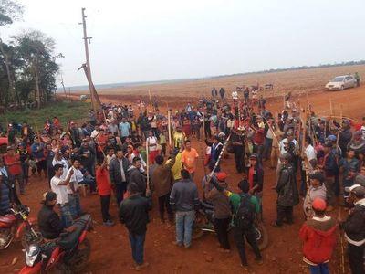 Indígenas niegan invasión y arrendamiento de tierra ajena