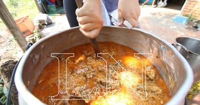 La Nación / Unas 2.500 personas comen de 17 ollas populares del Bañado Sur